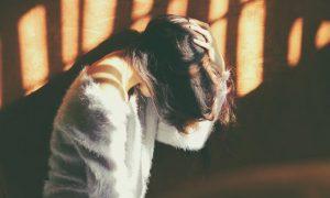 כאב ראש קדמי במצח